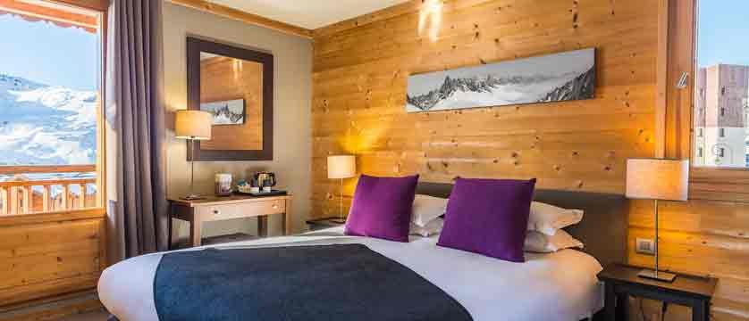 Le Kaya - bedroom